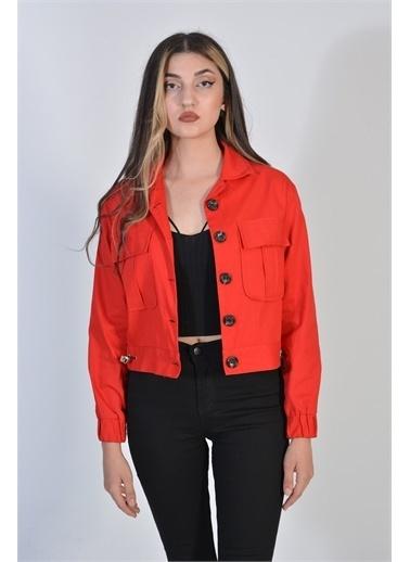 Zeren Kadın Kırmızı Belden Sıkma Düğmeli Denım Ceket Kırmızı